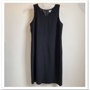 HARVÈ BENARD Black Sleeveless V-Neck Shift Dress